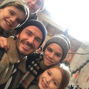 """Während Mama Victoria Beckham an ihrer Kollektion arbeitet: Besuchen David und die Kids das New Yorker """"National History Museum""""."""