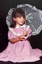 """12. Februar 2017  Daniela Katzenberger schreibt zu diesem entzückenden Foto aus dem Jahre 1990: """"Als die Katze noch ein Kätzchen war."""" Wir finden sie bezaubernd!"""