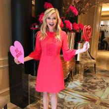 Aus Neuseeland sendet Hollywoodstar Reese Witherspoon Liebe und Küsse zum Valentinstag.
