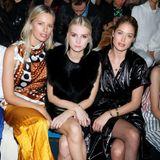 Gespannt verfolgen Karolina Kurkova, Lottie Moss und Doutzen Kroes die Show von Oscar de la Renta aus der ersten Reihe.