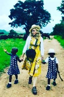 Madonna machte es offiziell: Die Zwillingsschwestern aus Malawi gehören nun zu ihrer Familie.