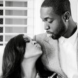 Schauspielerin Gabrielle Union wünscht ihrem Schatz Dwyane Wade mit dieser lustigen Schwarz-Weiß-Aufnahme alles Liebe.