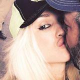 Gwen Stefani knutscht ihren Freund Blake Shelton.