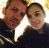 """""""Wonder Woman"""" Gal Gadot macht ihrem Mann Yaron Versano die wohl schönste Liebeserklärung: """"Jeder Tag mit dir ist wie Valentinstag"""", kommentiert die schwangere israelische Schauspielerin das gemeinsame Foto."""