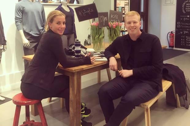 """Charlotte Würdig und Steffen von GALA im Hamburger Store von """"Lululemon"""""""