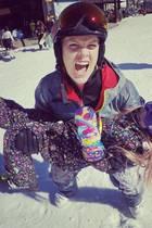 15. Februar 2017  Jetzt mal in Ernst: Wer wünscht sich nicht so eine coole Mutter? Sängerin Pink und ihre Tochter Willow haben Spaß beim Skifahren.