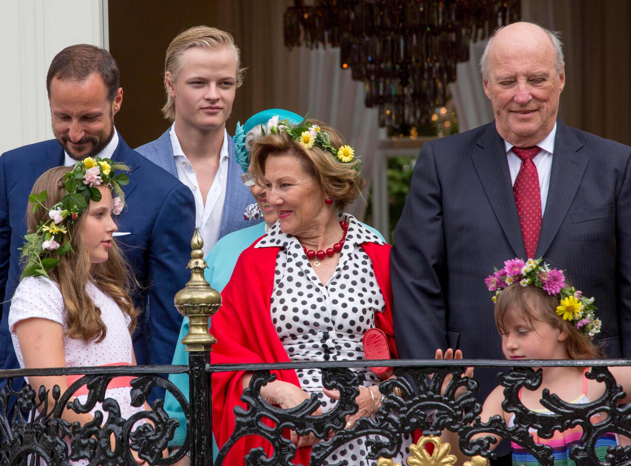 Prinz Haakon, Prinzessin Ingrid Alexandra, Marius BorgHøiby,König Harald, Königin Sonja