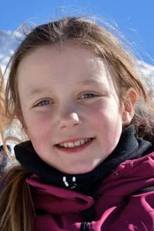 16. Februar 2017  Große Schwester - kleine Schwester: Josephine und Isabella strahlen um die Wette mit der Sonne von Verbier.