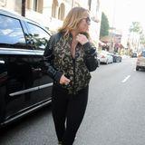 Ähnlich häufig wie Bühnen-Outfits wechselt Mariah an diesem Tag ihre Outfits. Auch dieser Look ist wie immer Geschmackssache.