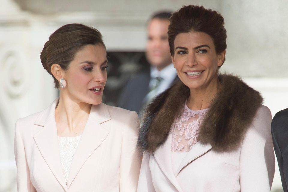 Königin Letizia, Juliana Awada
