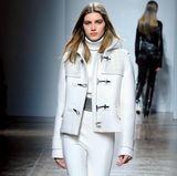 Bei dem Modehaus Fay wird gezeigt, wie man sich im kommenden Winter warm hält und dabei total stylisch aussieht.