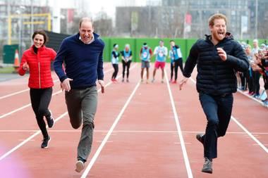 Kate, William und Harry geben alles und zeigen mal wieder, dass die Windsors eine sportliche Familie sind. Der JÜngste hat allerdings die Nase vorn.