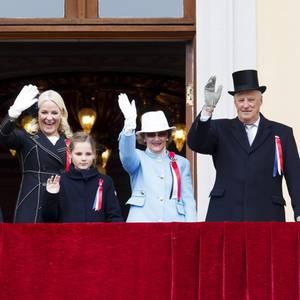 Grund zum Jubeln: die norwegische Königsfamilie um Königin Sonja und König Harald