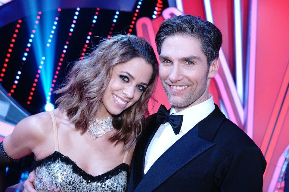 Schlagersängerin Vanessa Mai tanzt mit Christian Polanc.