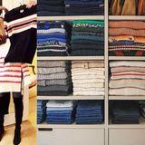 """Claudia Schiffer kann gar nicht genug von Strick bekommen. Stolz präsentiert das Model unter dem Namen """"Claudia Schiffer Knitwear"""" ihre eigene Pullover-Kollektion und öffnet für die Fans ihren Kleiderschrank."""