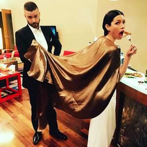 Nach der Oscar-Verleihung genehmigen sich Justin Timberlake und Jessica Biel erstmal einen Snack.