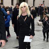 Auch Kollegin und Freundin Donatella Versace gibt Franca Sozzani die letzte Ehre.