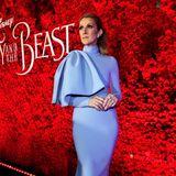 """Ein echter Fashion-Hingucker bei der """"Beauty and the Beast""""-Premiere ist auch die babyblaue Robe von Céline Dion."""