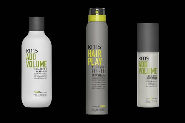 """Schritt 1: """"Add Volume""""-Shampoo (links), Schritt 2: """"Add Volume Liquid Dust"""" (rechts), Schritt 3: """"Hair Play Playable Texture"""" (mittig)"""