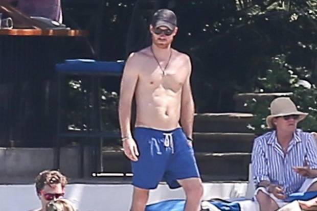 Prinz Harry gönnt sich ein Sonnenbad - auch mal ohne Freundin Meghan