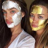 """Ziemlich cool aber irgendwie auch skurril sieht diese Gesichtsmasken von Model Irina Shayk aus. Sie genießt ihren Sonntag bei Mimi Luzon mit der sogenannten """"Wonder Mask"""". Für schlappe 235 Euro schmückt das Gesicht echtes Blattgold- und Silber. Wenn wir danach allerdings so aussehen wie Irina - dann ist es uns das wert!"""