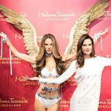Victoria's Secret Engel Alessandra Ambrosio trifft bei Madame Tussauds in Shanghai auf ihr Ebenbild aus Wachs.