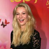 Mandy Bork ist gerade einmal 17 Jahre alt, als sie den zweiten Platz in der vierten Staffel macht. Sie verzaubert Heidi und die Jury vor allem mit ihrem Happy-Girl-Charme und ihrer blonden Mähne.