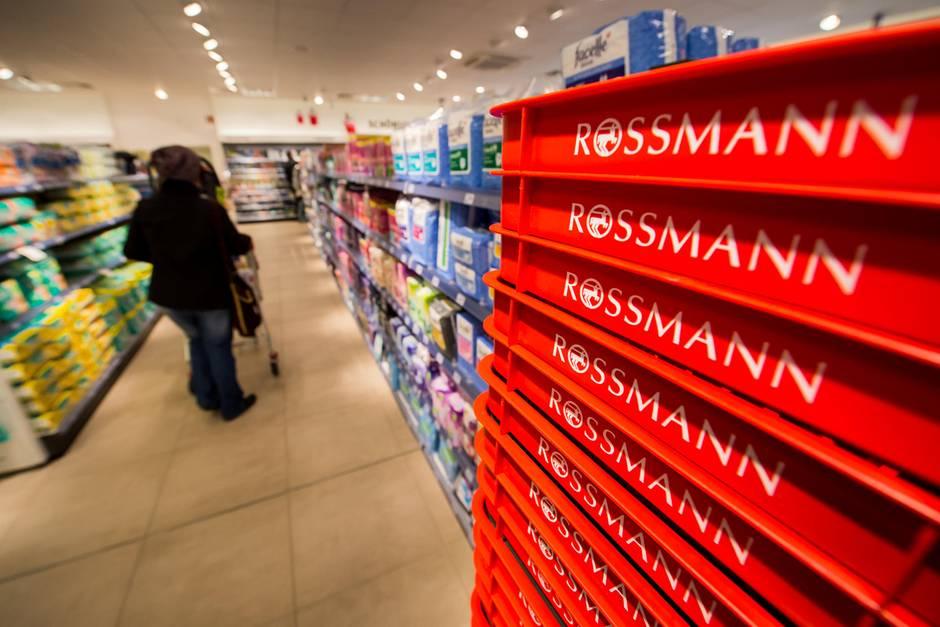 Einkaufskörbe bei ROSSMANN