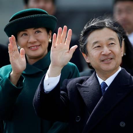 28. Februar 2017  Prinzessin Masako und Prinz Naruhito winken zum Abschied.