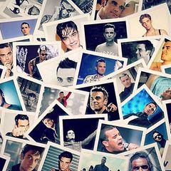 """9. März 2017  Momente eines Popstars: Robbie Williams ist seit über 25 Jahren in der Musikszene und hat als Mitglied der Boyband """"Take That"""" seine Karriere begonnen. Da sammeln sich großartige Augenblicke und Looks. Und er ist wandelbar, das zeigt hier die Fotocollage."""