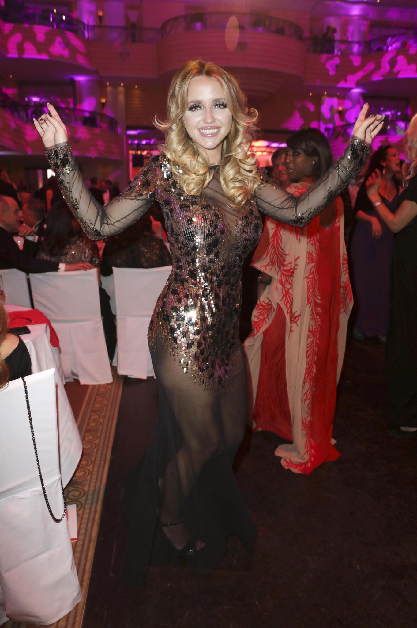 Cathy Lugner Ungeschminkt Nach Wilder Grill Party Gala De