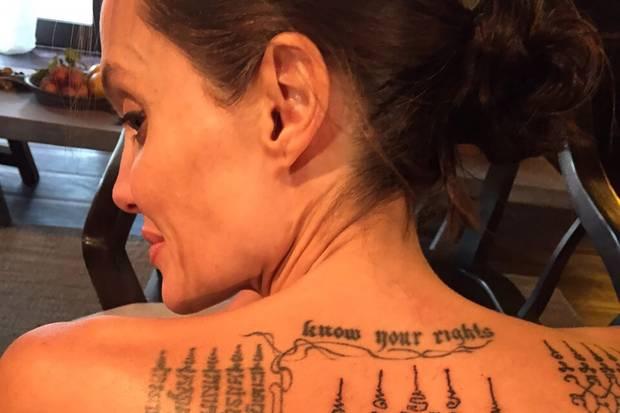 Angelina Jolie zeigt ihren tätowierten Rücken