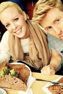 Tanzen macht hungrig!!! - so Maximilian Arland. Gemeinsam mit Profitänzerin Isabel Edvardsson wird nach dem Training ordentlich reingehauen.