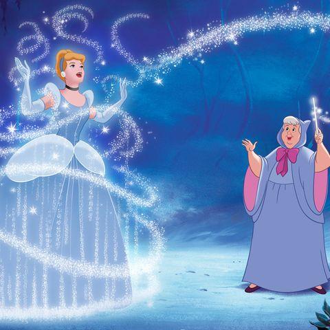 Cinderella in blauem Kleid.