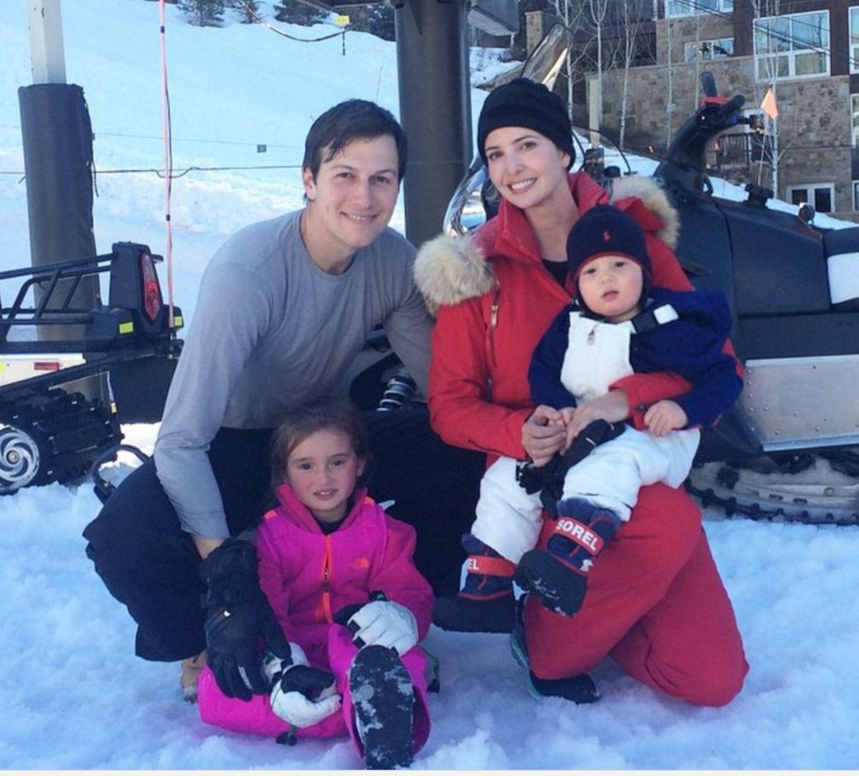 Ivanka Trump mit Ehemann Jared Kusher und den gemeinsamen Kindern Arabella, damals 4, und Joseph, damals 1, in Aspen 2015