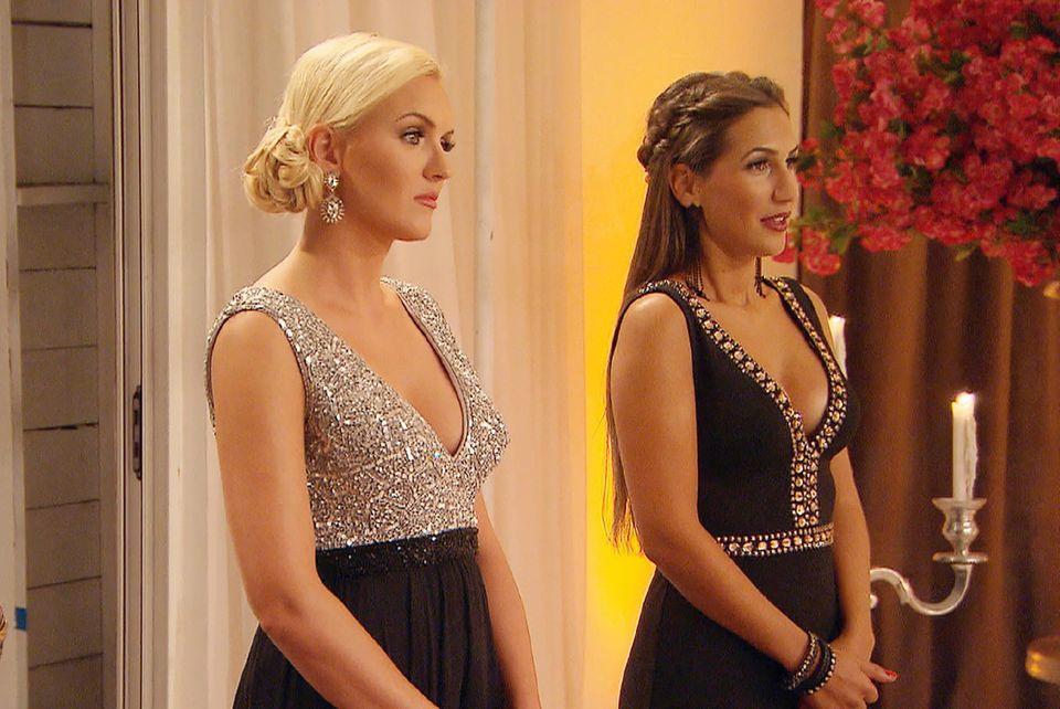 Erika und Clea-Lacy im Abendkleid.