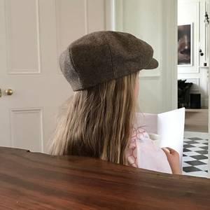 20. März 2017  Da hat sich doch Harper einfach den Hut von Papa aufgesetzt. Ob sie David Beckham nachahmt, wie er morgens seinen Kaffee trinkt und Zeitung liest?