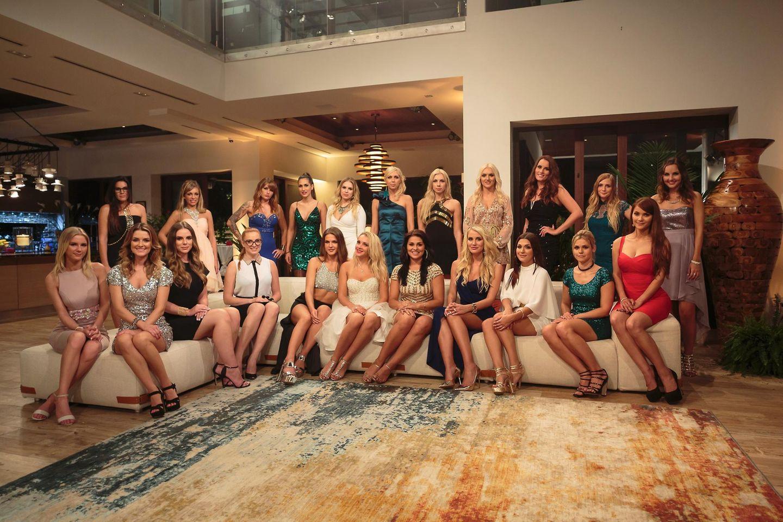 So fing alles an: Clea-Lacy unter 22 attraktiven Kandidatinnen.