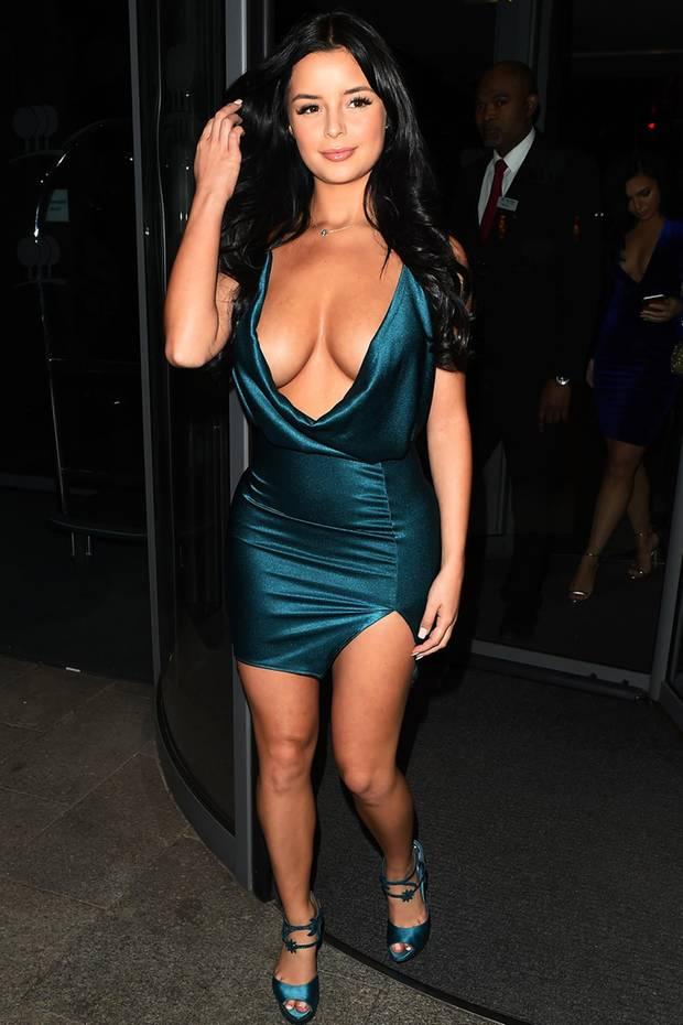 Es gibt keinen Tag ohne eine Modesünde von Demi Rose. Dieses Mal wagt sich das Model in einem viel zu knappen und geschmacklosen Kleid an ihrem Geburtstag aus dem Haus.
