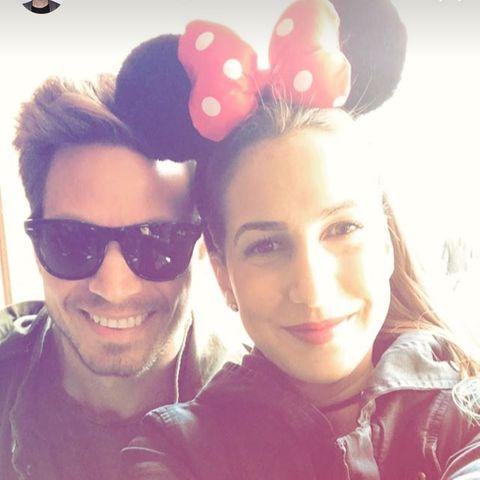 Sebastian Pannek und Clea-Lacy im Disneyland Paris