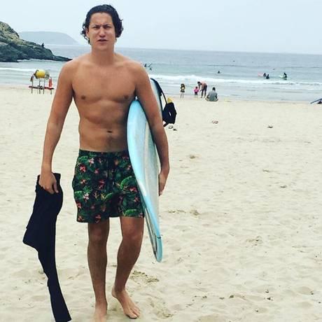 25. März 2017  Wow, Vito Schnabel zeigt sich fit wie nie! In Hong Kong nutzt der Freund von Heidi Klum die Gelegenheit für eine Runde Surfen.