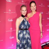 GALA Chefredakteurin Anne Meyer-Minnemann und Ana Ivanovic posieren für ein gemeinsames Foto.