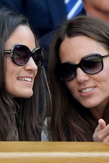 Herzogin Catherine und ihre jüngere Schwester Pippa Middleton sehen sich nicht nur recht ähnlich und teilen die gleiche Vorliebe für große Retro-Sonnenbrillen, sie sind auch in Sachen Style gar nicht so verschieden. Vergleichen Sie selbst!
