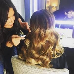 An ihre tolle Haarpracht lässt Heidi Klum nicht viele ran. Doch der Star-Hairstylistin Wendy Iles vertraut sie vom Scheitel bis in die Spitzen.