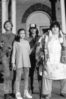 "Leonardo DiCaprio, Laura Harrington, Johnny Depp, Darlene Cates und Mary Kate Schellhardt in ""Gilbert Grape - Irgendwo in Iowa"""