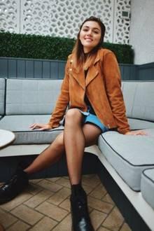 """Staffel 8:  Anna Maria Damm schafft es in der achten Staffel """"nur"""" auf den fünften Platz, ist heute aber wesentlich erfolgreicher als so manch eine GNTM-Erstplatzierte. Sie startet nach der Castingshow so richtig durch. Und zwar als Vloggerin und Instagram-Star. Dort hat sie heute knapp 950.000 (!!) Follower und gilt damit als absolute Größe ihrer Branche. Zum Vergleich: Caro Daur, Deutschlands Number-One-Influencerin, hat lediglich 20.000 mehr Fans."""