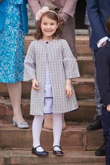 1. April 2017  Zuckersüß und strahlend zeigt sich Prinzessin Athena bei der Feier.