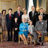 1. April 2017  Das offizielle Konfirmationsfoto zeigt Felix im Kreis seiner Familie und Paten.