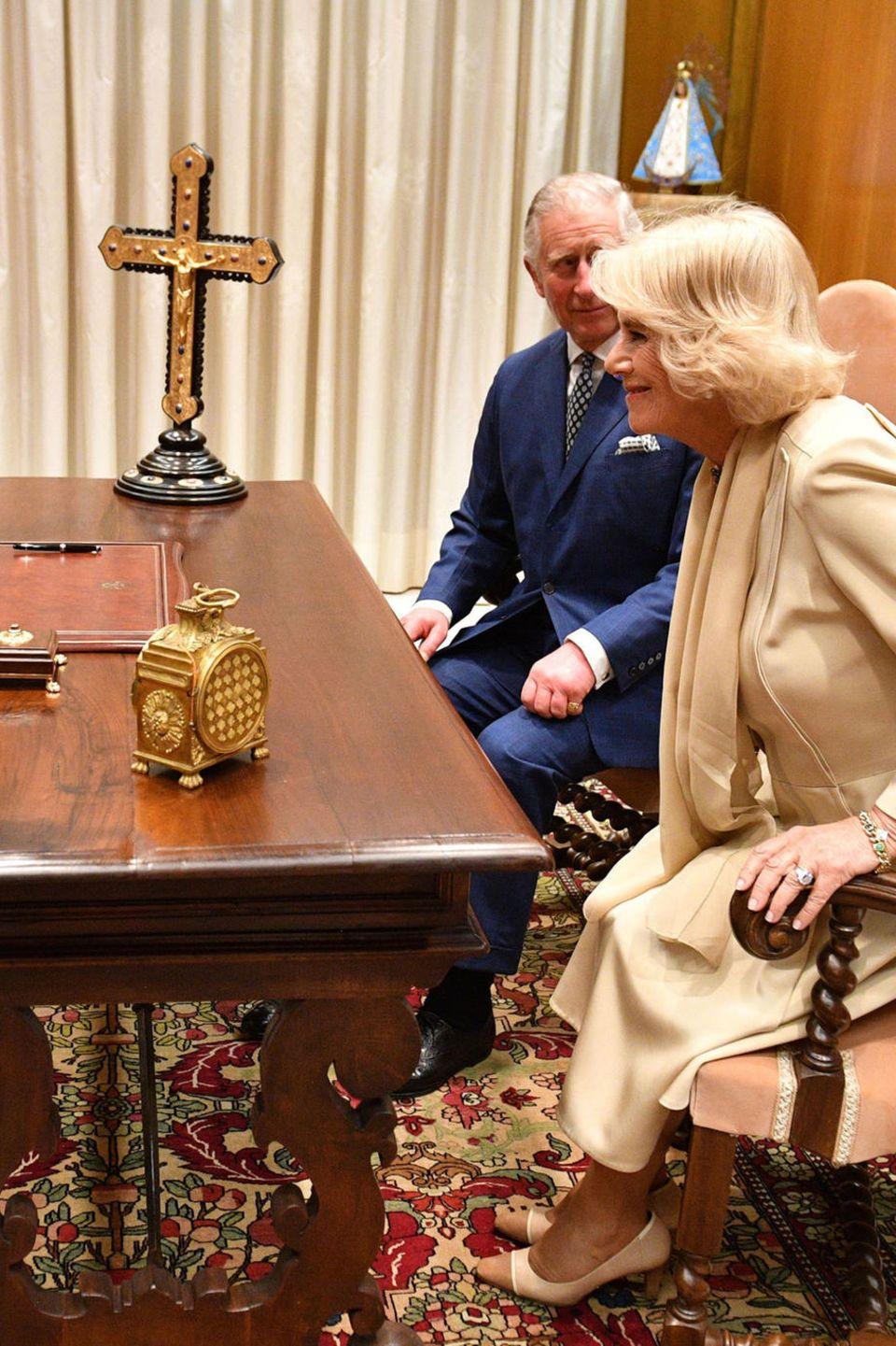 4. April 2017  Auch für Herzogin Camilla und Prinz Charles ist dieser offizielle Termin was Besonderes, sie haben eine Audienz bei Papst Franziskus im Vatikan.