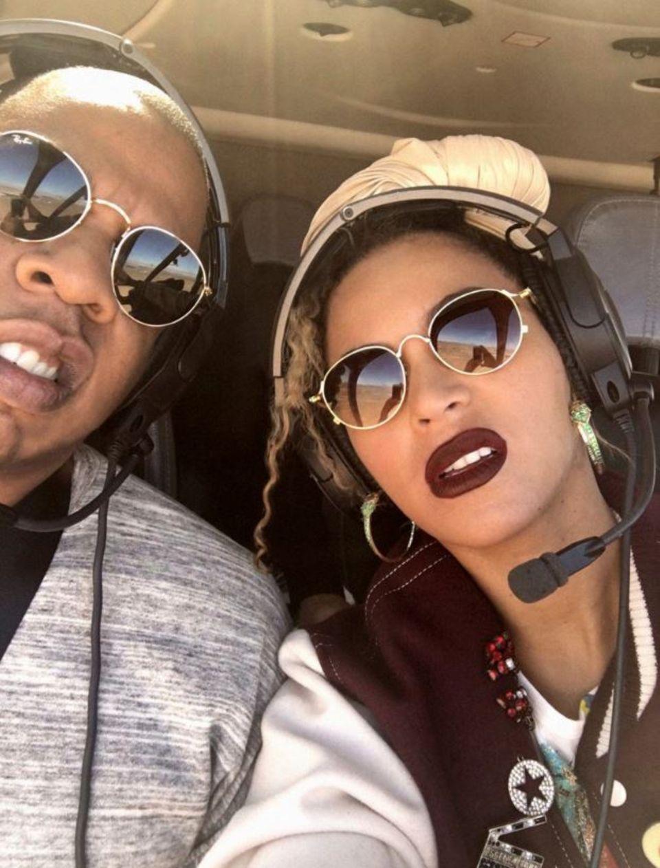 4. April 2017  Eines der reichsten Paare der Welt geht zu so einem besonderen Anlass natürlich nicht einfach nur Essen. Zu ihrem 9. Hochzeitstag haben sich Beyonce Knowles und Jay Z nämlich per Hubschrauber an einen romantischen Ort fliegen lassen...